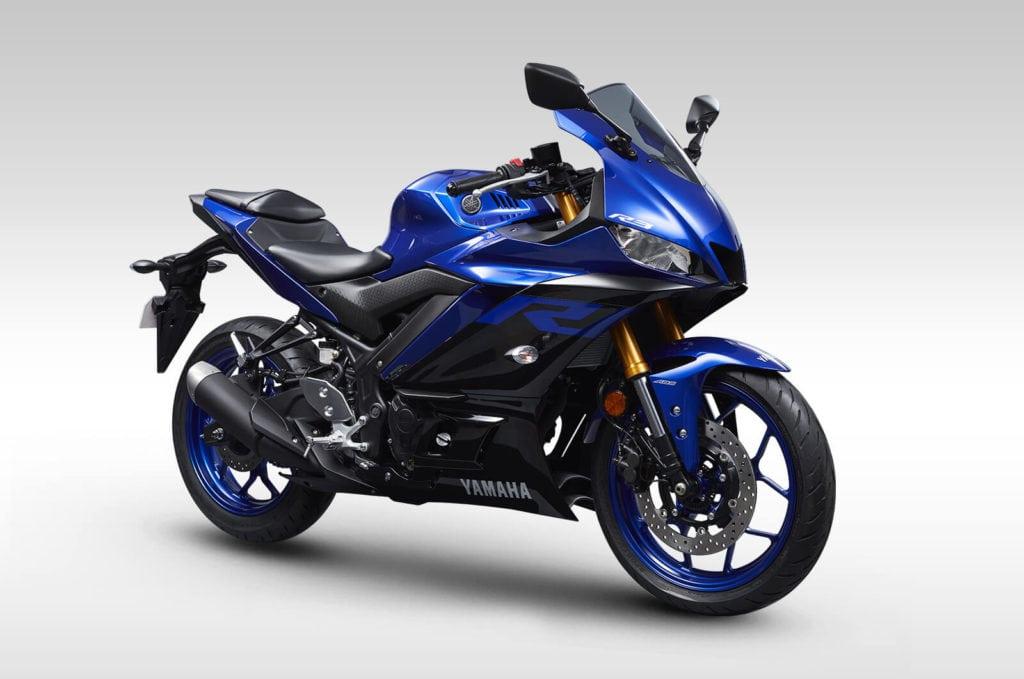 Yamaha r3 blue